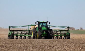 CroppedImage350210-GreatPlains-16-Row-Yield-Pro.jpg