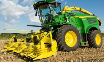 CroppedImage350210-JohnDeere-8800SPForage.jpg